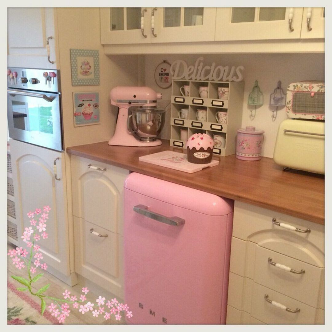 25 Lovely Shabby Chic Kitchen Ideas (Striking Rooms For Cooking) - 123F41Ee730E95944B6Efdcda7Ecf860