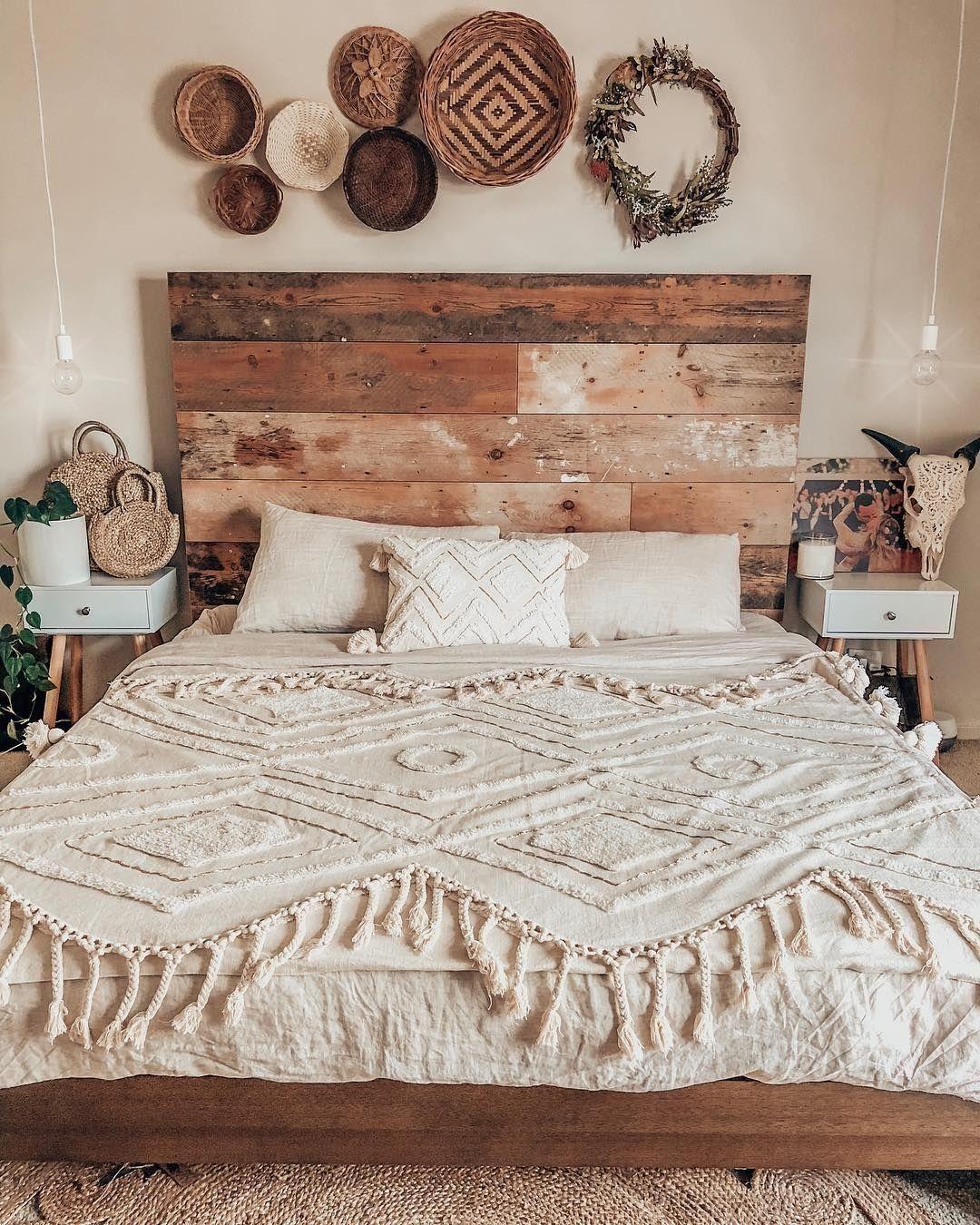 25 Elegant Mid Century Modern Bedroom (Heaven-Like Rooms) - 18
