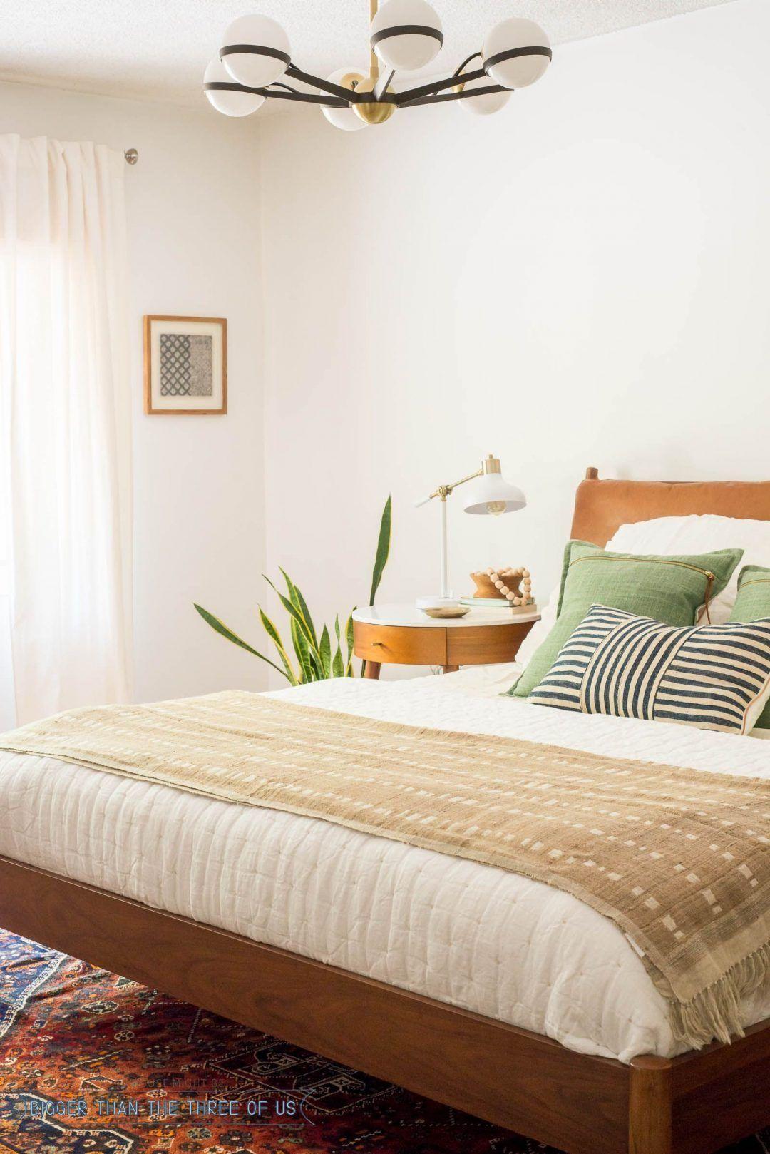 25 Elegant Mid Century Modern Bedroom (Heaven-Like Rooms) - 21