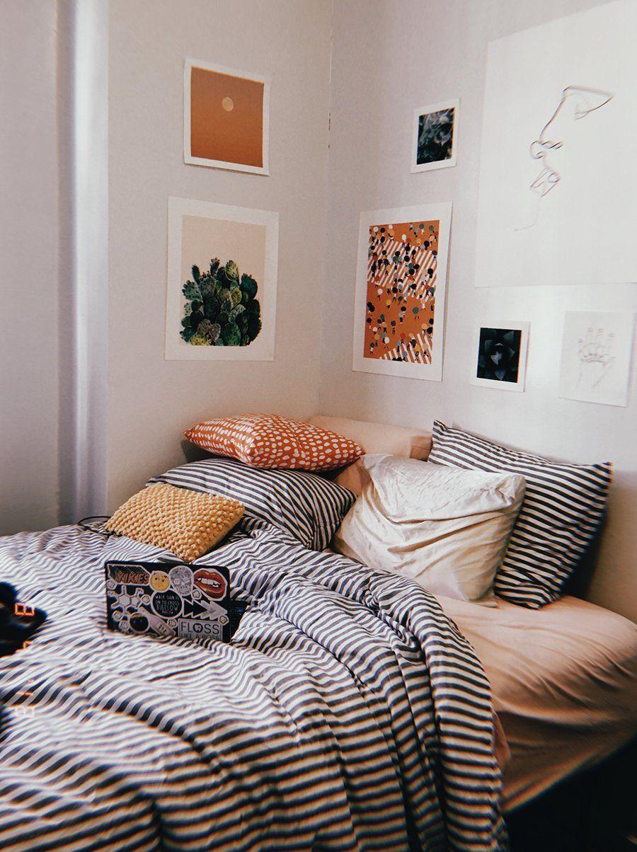 25 Elegant Mid Century Modern Bedroom (Heaven-Like Rooms) - 22