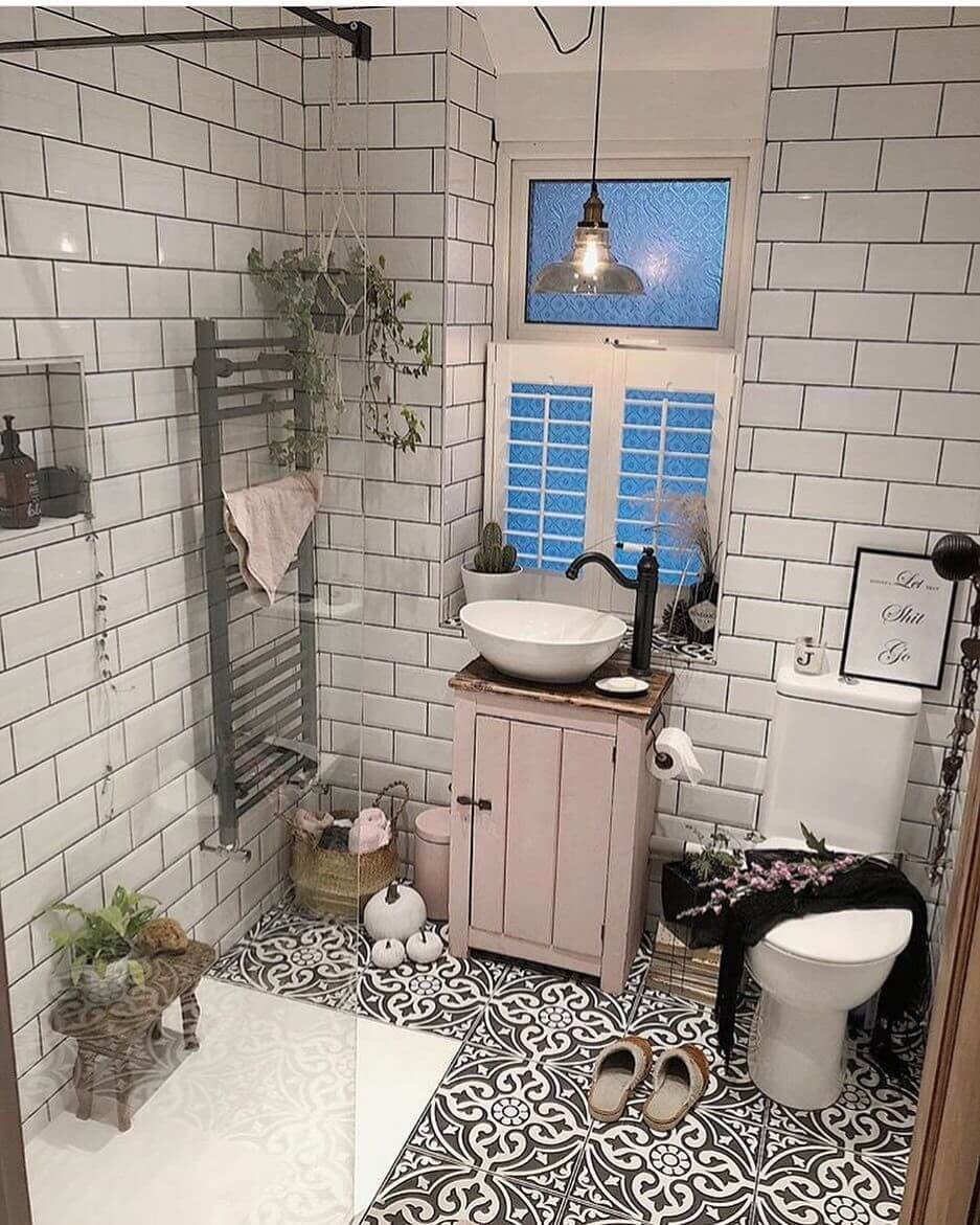 25 Stunning Shabby Chic Bathroom Designs That Will Adore You - 68013869B538A7D716A8D495Ca9Fd44B