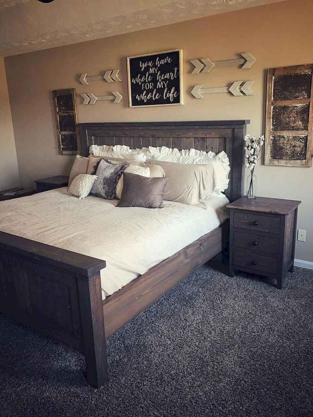 25 Inviting And Cozy Farmhouse Bedroom (The Visual Treats) - A18