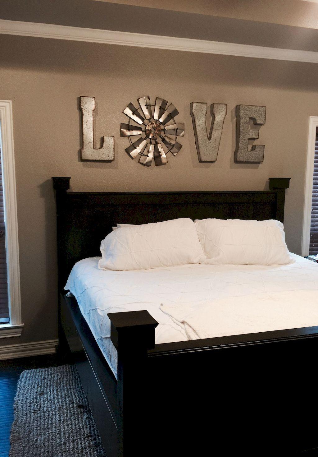 25 Inviting And Cozy Farmhouse Bedroom (The Visual Treats) - A22