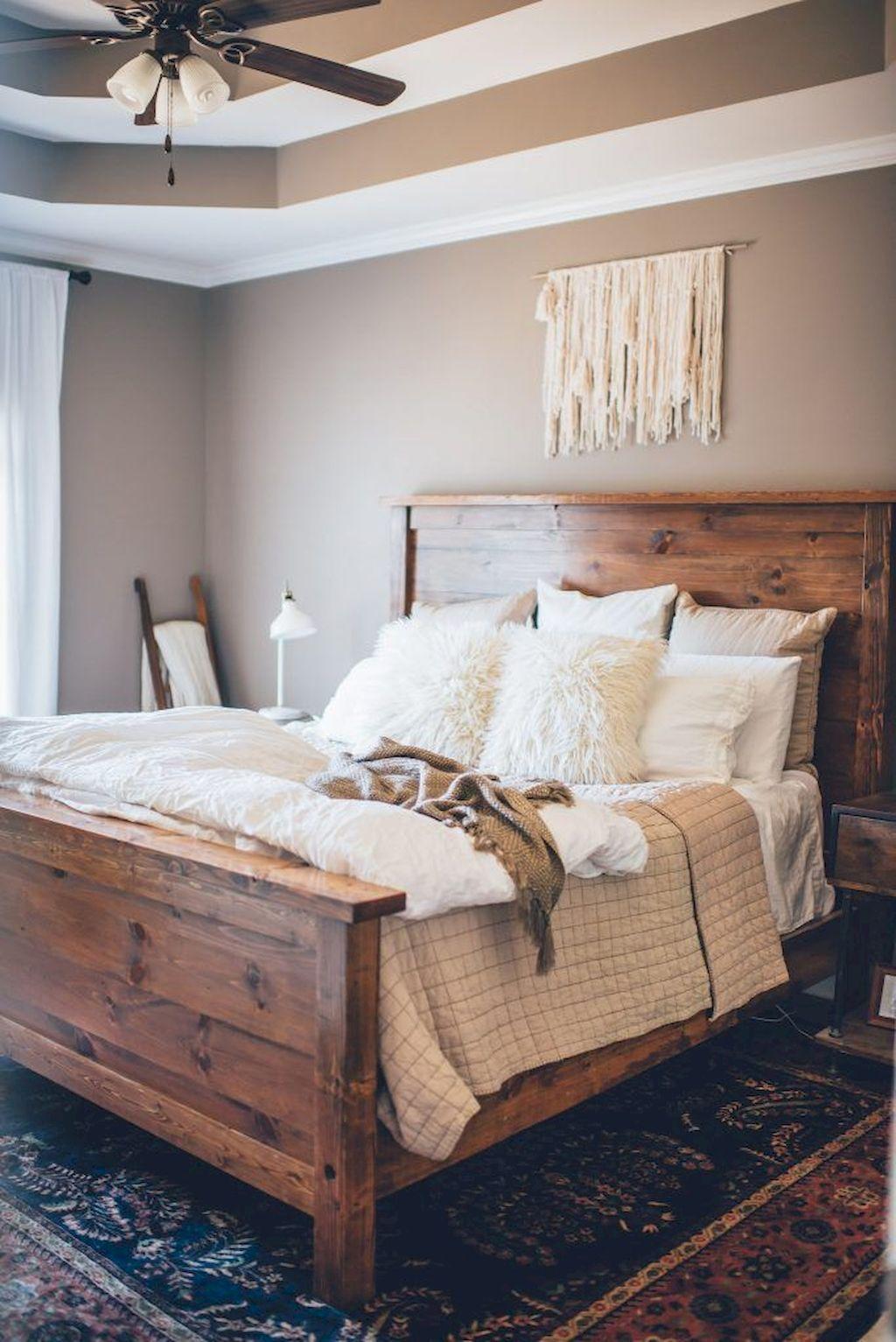 25 Inviting And Cozy Farmhouse Bedroom (The Visual Treats) - A6
