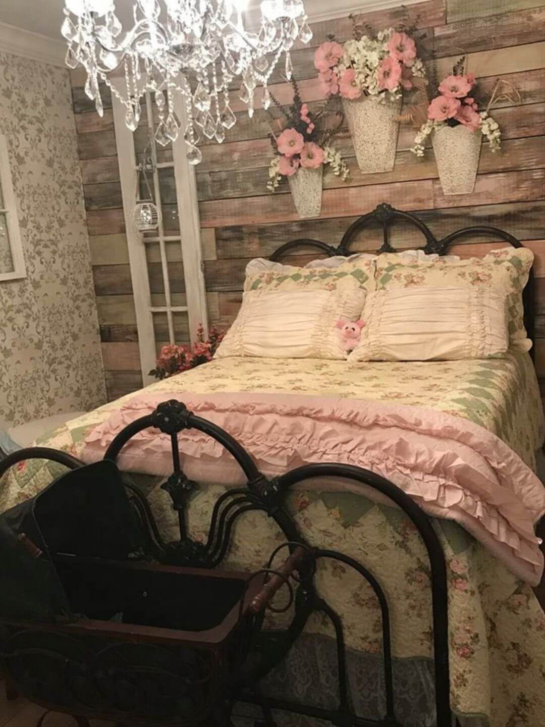 25 Fashionable Shabby Chic Bedroom (All Are Stylish!) - Q10