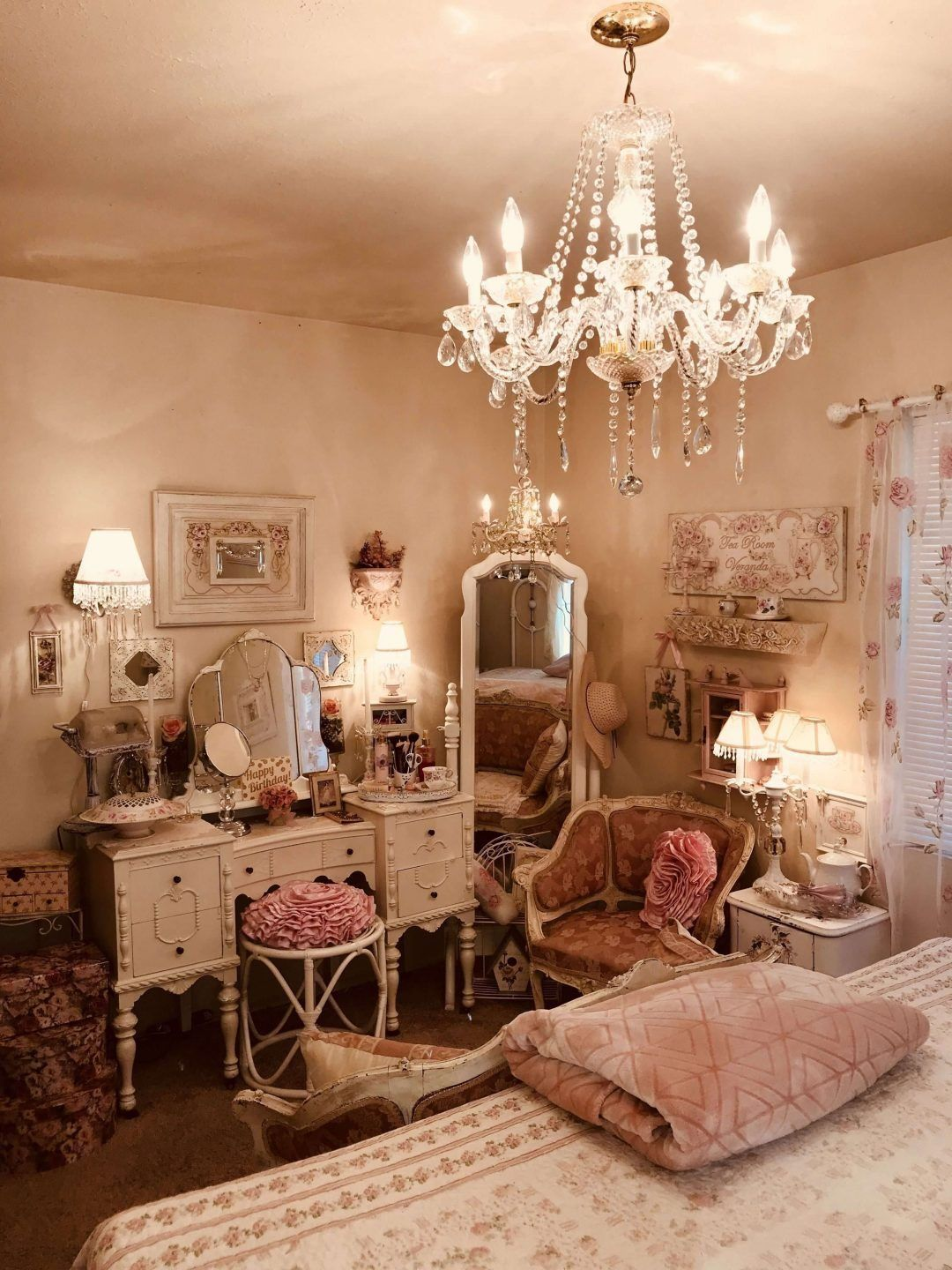 25 Fashionable Shabby Chic Bedroom (All Are Stylish!) - Q2