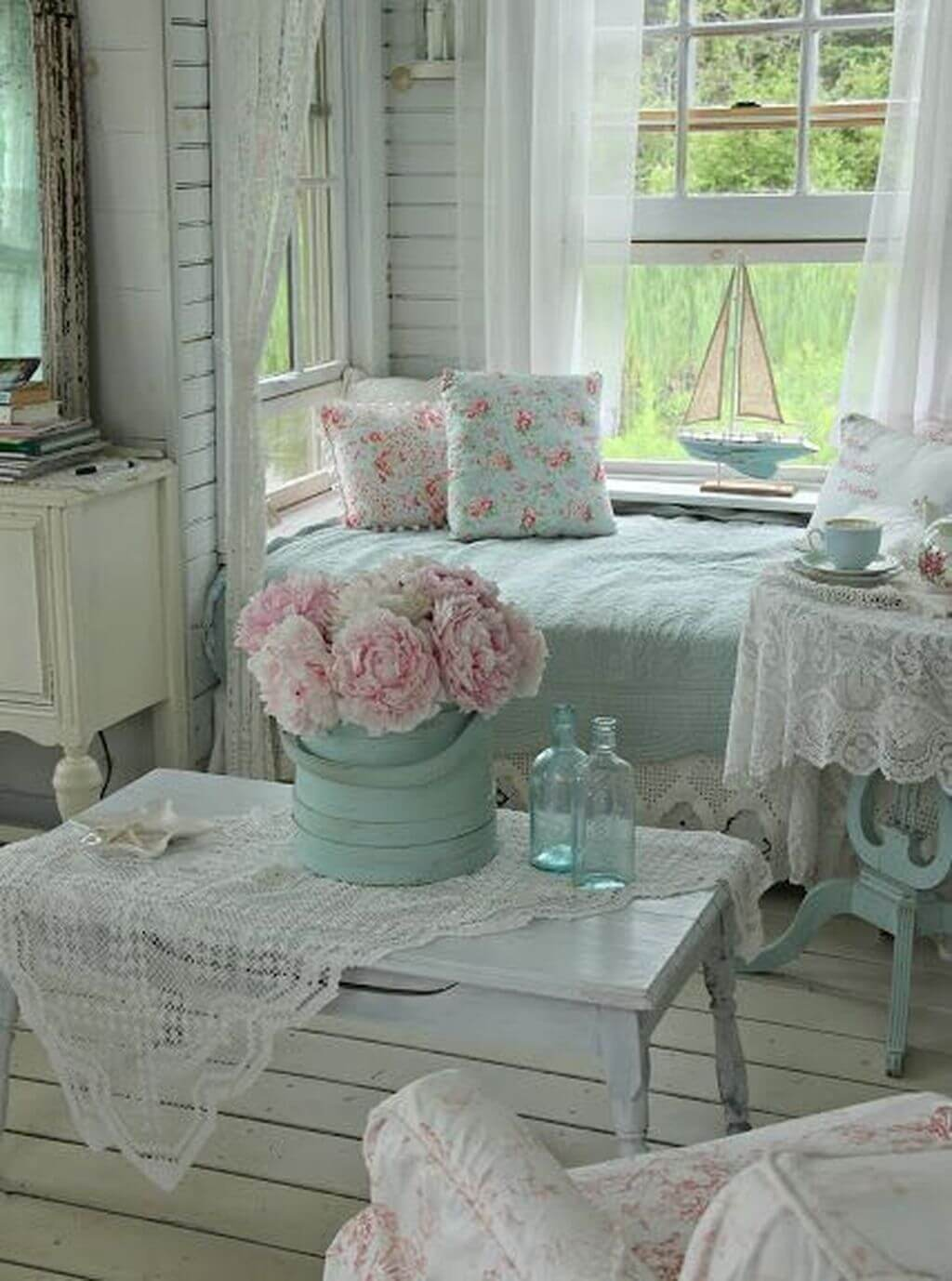 25 Fashionable Shabby Chic Bedroom (All Are Stylish!) - Q22